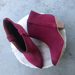 Frye & Co Maley Pull Tab Booties 9